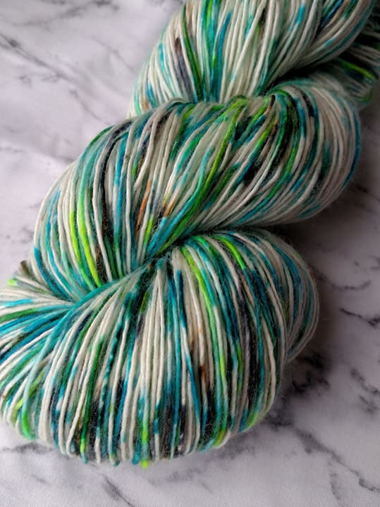 ice dyed yarn graphic